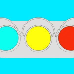 なぜ緑なのに青?信号機のふしぎをご紹介!信号機アニメもあるよ。