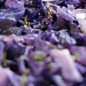 今日も糖質制限ごはん:紫キャベツのオイル蒸し