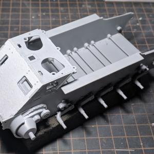 VK1602(3)本体の組み立て