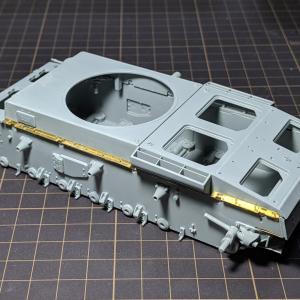 III号N型(4)組み立て、整流板他