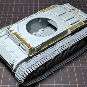 III号N型(6)組み立て、足回りと履帯