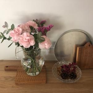 掃除をするとわかる固定網戸の罠!花を飾ろう