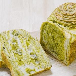 抹茶とホワイトチョコのマーブル食パンのレシピ