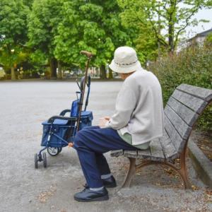 年金額の低さを嘆く 沖縄の老人を叩く前に