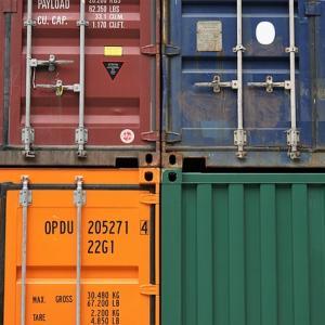 貿易実務入門|在来船、コンテナ船の差とFOB-CIFの関係