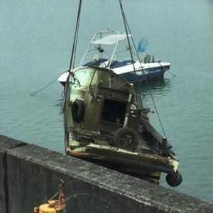 沈没船の引き揚げ