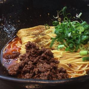 階杉で汁なし坦々麺