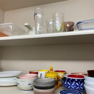 ミニマリストをめざす我が家の食器の数と収納方法の話。