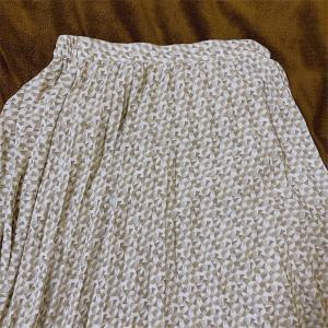 1年間支えてくれた白いスカートの話。