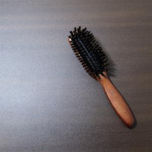 自分の髪に合うヘアブラシ使っていますか?のお話。