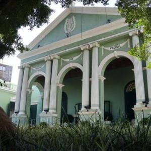 【マカオ世界遺産】ドン・ペドロ5世劇場は緑色が素敵な歴史建築