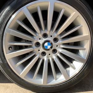 BMW 脱ランフラットしました、今のところ問題感じない、乗り心地いいなぁ、タイヤの重さは11㎏