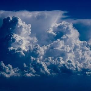 天気予報はそこまで詳しくなければいけないか?「週間予報」は必要?「傘マーク」を付けない「雨予報」?「1か月予報」に意味はある?「梅雨入り宣言」もヘン?
