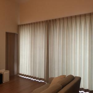 冒険しなかったカーテン。色の足し算が得意になりたい。