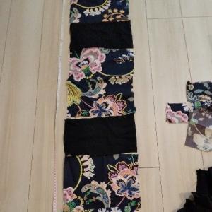 娘リバティスカート作成。引き続き眠っている布を使う。