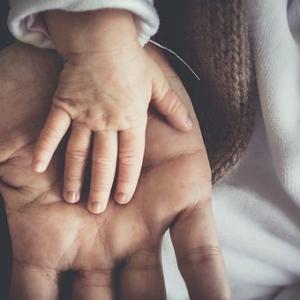 気を意識した子供との接し方~気をおくってハグしよう~