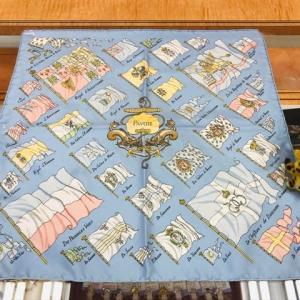 本日のお勧めは爽やかなスカーフです♪福岡の質屋ハルマチ原町質店