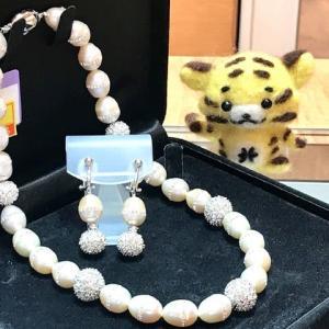 本日のお勧めは真珠ネック&イヤリングです♪福岡の質屋ハルマチ質店