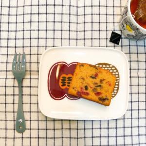 マリメッコでお買い物。秋のお茶時間に似合うコンポッティのプレート。