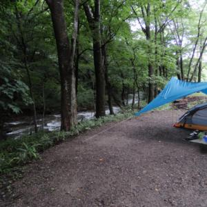 【聖ヶ岩ふるさとの森】清流のほとりでソロキャンプ