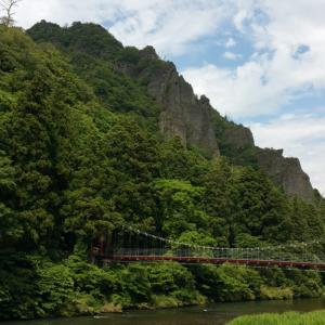 出雲屈指の景勝地・立久恵峡。そそりたつ渓谷に絶景の露天風呂。