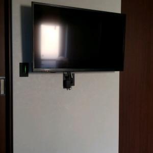 実際に住んでみて 壁掛けテレビのコンセントの失敗編