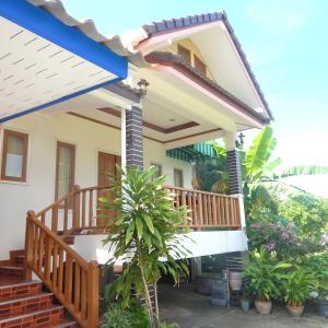 離れの一軒家にお安く泊まれてしまうパンガン島のPhatra Hostel!