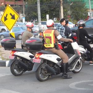 バイクを乗るのに国際免許が必要なチェンマイで無免運転してみたら……まんまと検問に引っ掛かりました!