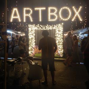 バンコクの人気ナイトマーケット「Artbox」でムーカタを初体験♡