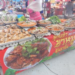 ロンクルア市場へ行ったら夜ご飯はナイトマーケットで食すべし!