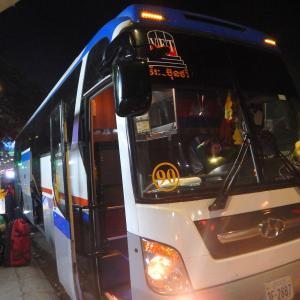 ポイペトからシェムリアップまでの夜間移動で〈Hotel Bus〉に初乗車!