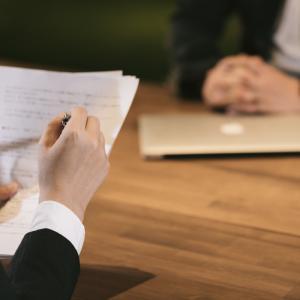 宅地建物取引士(宅建士)試験合格後の手続きの流れと費用 繁忙期に間に合わせるには