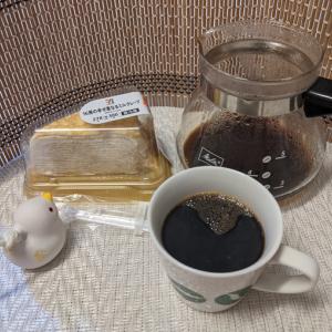 今回のコーヒーはインドネシア(深煎り)~お茶請けはミルククレープ~