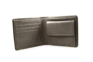 毎年夫婦でプレゼントを贈りあうには、お財布が最適
