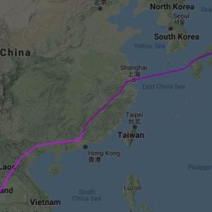 台風の影響で飛行ルートが変更されました。