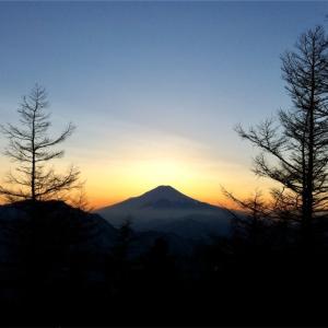 蛭ヶ岳    2013年1月28〜29日    雪の丹沢、初避難小屋泊。からのダイヤモンド富士!(小屋泊登山)