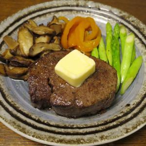 ◆黒毛和牛のヒレステーキ/ホタテの刺身/蒸し鶏中華クラゲ/野菜サラダ◆