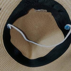 オリジナルボタンとゴムで帽子の風飛び防止アイテムを作りました!
