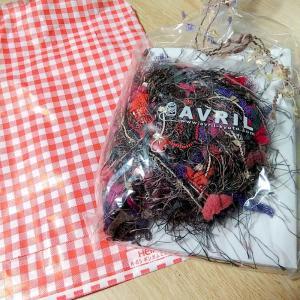 ハロウィンっぽいネックレスをゆび編みのキットで作りました