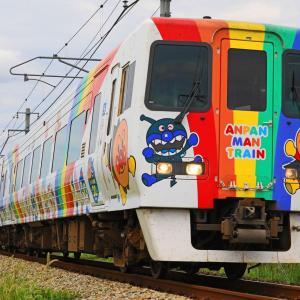 JR四国 8000系L3編成「しおかぜ 」アンパンマン列車