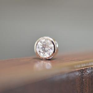 ダイヤモンド婚約指輪 PT900ペンダントトップへリフォーム
