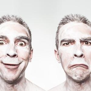 【年収で比較】配偶者控除と配偶者特別控除の違いは?法改正での変更点と注意点