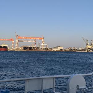 今日の船飯。乗船1ヶ月、船の調理場の鉄板ヒーターのクセが強い。