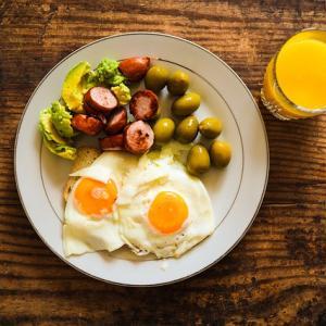 筋トレとプロテインの関係。筋肥大に最適なたんぱく質量、摂取タイミング、とは?