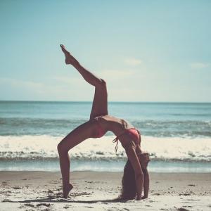 お尻の上側を鍛える!上向きヒップを目指すトレーニング!