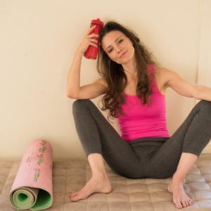 【尻トレ】フロッグパンプのやり方、効果について。大臀筋と中臀筋を鍛えて丸みのあるおしりを作る!