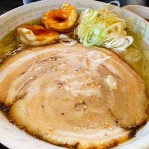 丼を覆うとろとろチャーシューに圧倒!一番人気の「塩ねぎラーメン」を食べる【富山:ラーメン専門店 めん家】