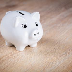 貯金するなら節約してはいけない話【部屋を片付けて無理なくお金を貯める方法】