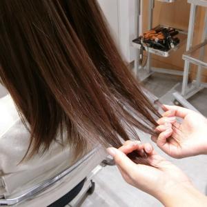 髪の梳きすぎがヘアスタイルに与える影響は?梳かれた髪を戻すには?