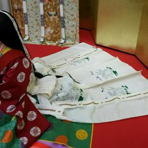 【即位礼の皇后さまと同じ?】本格的な十二単を京都の西陣会館で着てみた
